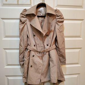 Jennifer Lopez trench coat